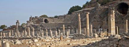 Colunas sós em Ephesus foto de stock