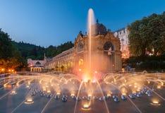 Colunata da cidade dos termas em República Checa após o por do sol Fotografia de Stock