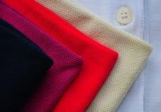 Colurful T-tröja Royaltyfria Bilder