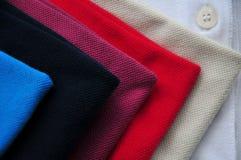 Colurful T-tröja Arkivbilder