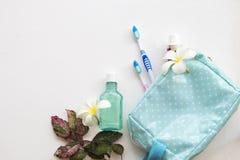 Colutório, escova de dentes, cuidados médicos do dentífrico para a cavidade oral fotografia de stock