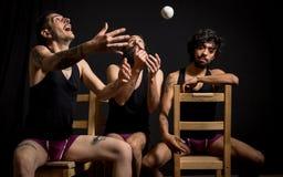 Comédia por jugglers do circo fotos de stock royalty free