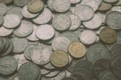 1 común, 10, fondo de la moneda del metal de la rupia india 5 imagen de archivo