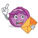Com desenhos animados do caráter da couve vermelha do envelope Imagem de Stock Royalty Free