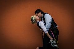 Com o `do vestido de casamento fotos de stock royalty free