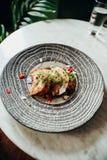 Coma la comida en Casco Viejo, parte 10 de Panamá fotos de archivo