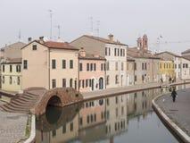 Comacchio, F.E., Italien - 4. November 2017: Ansicht von einer des cana Lizenzfreie Stockbilder