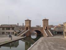 Comacchio, FE Włochy, Listopad, - 4, 2017: Most Trepponti lub fotografia royalty free