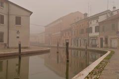 Comacchio, kanał w zimie Ferrara, Emilia Romagna, Włochy Fotografia Royalty Free