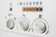 Comandi della caldaia per il riscaldamento centralizzato Immagini Stock