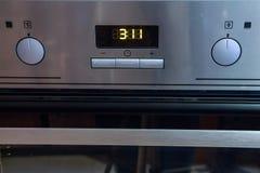 Comandi moderni del forno del metallo Immagini Stock