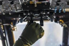 Comando manuale della cabina di pilotaggio fotografie stock libere da diritti