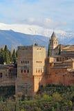 Comares torn av Alhambraen i Granda, Spanien lodlinje Royaltyfri Fotografi