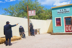Combat d'armes à feu CORRECT de corral photos libres de droits