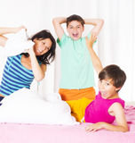 Combat d'oreiller Photos libres de droits