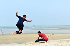 Combat de deux amis Photographie stock