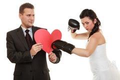 Combat de ménages mariés Images stock