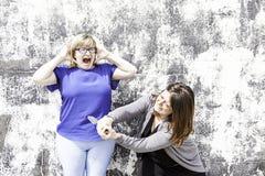 Combat femelle d'amis Photographie stock