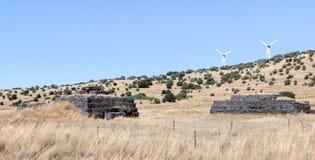Combata las arcones dejadas desde la guerra del día del juicio final Yom Kippur War en Golan Heights, cerca de la frontera con Si fotografía de archivo