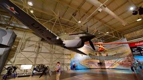 Combatiente de Curtiss P-40E Warhawk en la exhibición en el museo pacífico de la aviación de Habor de la perla Foto de archivo libre de regalías