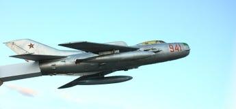 Combatiente de jet militar viejo Fotografía de archivo libre de regalías