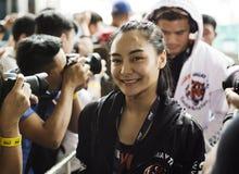 Combatiente del campeonato del atomweight uno de Rika Ishige fotografía de archivo libre de regalías
