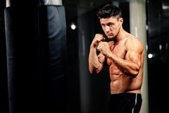 Combatiente hermoso muscular Fotografía de archivo