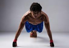 Combatiente masculino del boxeo Foto de archivo