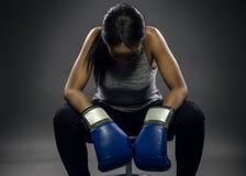 Combatiente o boxeador de sexo femenino negro Fotografía de archivo libre de regalías