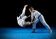 Combatientes de los artes marciales de los niños Imagen de archivo libre de regalías