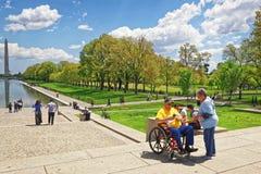 Combattant près de Lincoln Memorial Reflecting Pool à Washington photographie stock