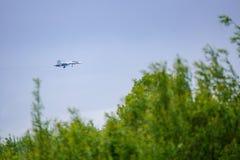 Combattant Su-30, approche d'atterrissage photographie stock libre de droits