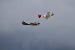 Combattants américains du vintage WW2 à l'airshow BRITANNIQUE images stock