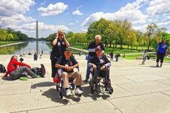 Combattants au C.C de Lincoln Memorial Reflecting Pool Washington photos libres de droits
