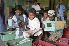Combatti contro analfabetismo attraverso la biblioteca mobile, Brasile Immagini Stock Libere da Diritti