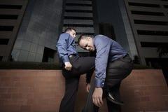 combattimento degli uomini d'affari Fotografie Stock Libere da Diritti