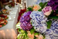 Combiné épousant le bouquet Photos stock