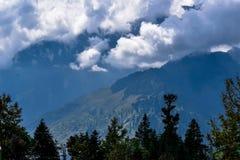 Combinación de nube y de montañas Foto de archivo