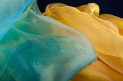 Combinaison de tissu transparent vert et jaune d'organza Photographie stock
