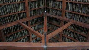 Combles en bois de branche d'arbre Image libre de droits