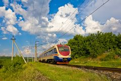 Comboio de passageiros Running foto de stock