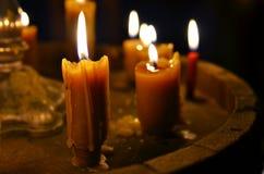Combustione antica della candela immagini stock libere da diritti