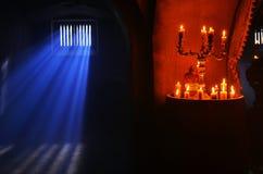 Combustione antica della candela Fotografie Stock Libere da Diritti