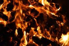 Combustione della legna da ardere nell'effetto del mosso Fotografie Stock Libere da Diritti