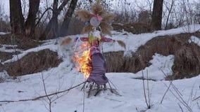 Combustione tradizionale del farcito di stock footage
