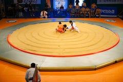 Começo aéreo Wrestling coreano do anel de Ssireum Imagem de Stock
