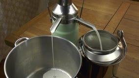 Começo da ideia geral do processo da separação do leite da instalação video estoque