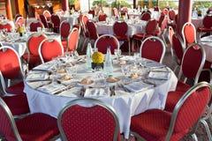 Começo do jantar oficial no restaurante imagem de stock royalty free