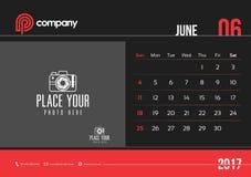 Começo domingo do projeto 2017 do calendário de mesa de junho Imagem de Stock