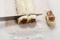 Come produrre i biscotti più palmier - biscotti francesi fotografia stock
